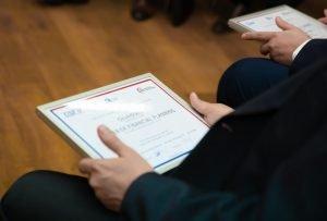 Slavnostní předávání certifikátů MFP okem kamery